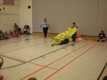 Mr. Kawaragi's Tiger Dance Performance