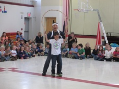 A Marcia Buker student attempts the sudare performance!